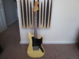 Fender Bronco 1977 - TV Yellow