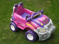 KIDDIES BATTERY POWERED PLAY CAR