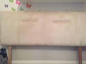Kingsize bed w/mattress & headboard