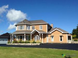 324 500$ - Maison 2 étages à vendre à Hébertville