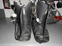 Mens size 8 snow boots