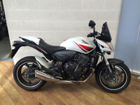 Honda CB600FA – Hornet – 2010 White/Red. Excellent condition, only 5,552 miles