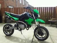 Super moto stomp 140cc pit bike