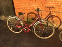 Raleigh Caprice Ladies Town Bike. Lovely condition, Serviced, Free Lock, Lights, Delivery