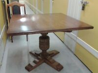 Solid oak dining table, hand carved leg, very good table top surface, 100 cm width, 100 cm length