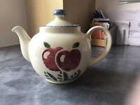 POOLE POTERY SMALL (2 person) TEAPOT