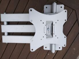 A503BSLV Full motion single arm cantilever bracket version 2