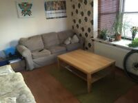 SUNNY AND BRIGHT DOUBLE ROOM FOR RENT