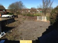 yard to let. open yard no ffice no water no electric. fenced double gates Darlaston town centre