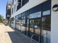 Open-plan shop front/office space to rent in North Bristol