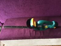 B&Q Power Performance Cordless hedge trimmer with 18v battery, good working order