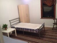 Double room share with Indian male student close to Stratford station