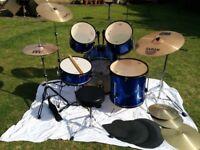 Drumkit for sale. All hardware in excellent condition, some sign of (light) use on heads and cymbals