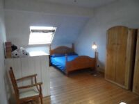 3 rooms in 4 bed Houseshare