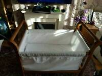 stunning crib/cot