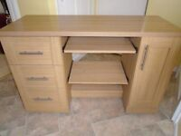 computer desk with 3 draws on casters excelllent condition