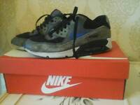 Nike air size 5 trainers