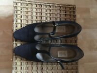 9 and Co nubuk leather shoes Navy colour. US size 9.5