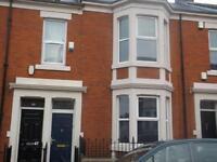 2 bedroom flat in Wingrove Avenue, Fenham