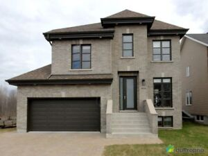 749 900$ - Maison 2 étages à vendre à Chomedey