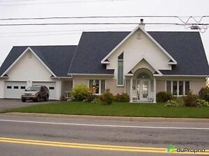 235 000$ - Maison 2 étages à vendre à Gaspé