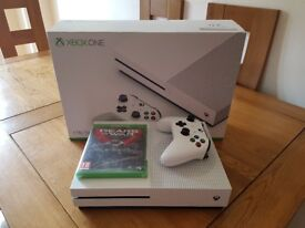 Xbox one s 1tb console and game