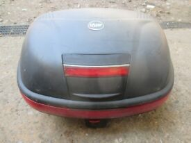 givi back box in good condition with key