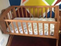 Swinging crib, mattress & mattress protector