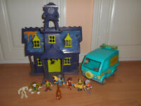 Scooby Doo fold out playset