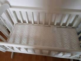 Swing crib white wooden