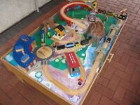 EARLY LEARNING CENTRE TRAIN SET TABLE