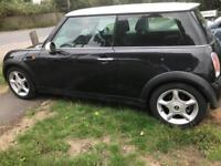 AUTOMATIC MINI COOPER VERY GOOD CONDITION ONE YEAR MOT DRIVES PERFECT NO FAULTS