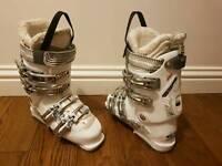 Women Salomon ski boots size 6
