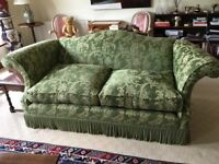 A very good quality pair of sofas in very good condition