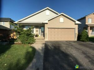 $599,999 - Bungalow for sale in Beamsville