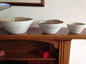 Party Dish Set by Crofton