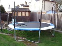 14ft Trampoline comes with NEW safety enclosure net