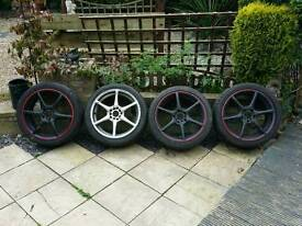 18 inch 6 spoke alloys with tyres