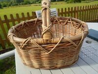 "BEAUTIFUL STRONG WICKER BASKET ATTRACTIVE RUSTIC VERY STURDY 9"" DEEP DISPLAY PICNIC HAMPER SRTORAGE"