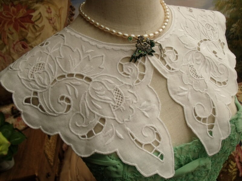 VICTORIAN~HAND Embroidered Lace Collar Dress White LINEN ~Vtg. Necklace ROSE II