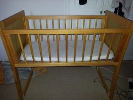 Rocking crib / bedside small cot