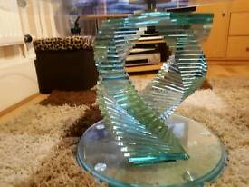 BEAUTIFUL GLASS OVAL SHAPED DESIGNER COFFEE TABLE