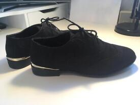 Pair of brand new size 6 New Look shoes