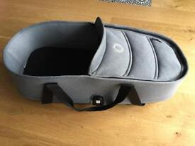 Bugaboo Bee3 carrycot with Grey Melange fabric