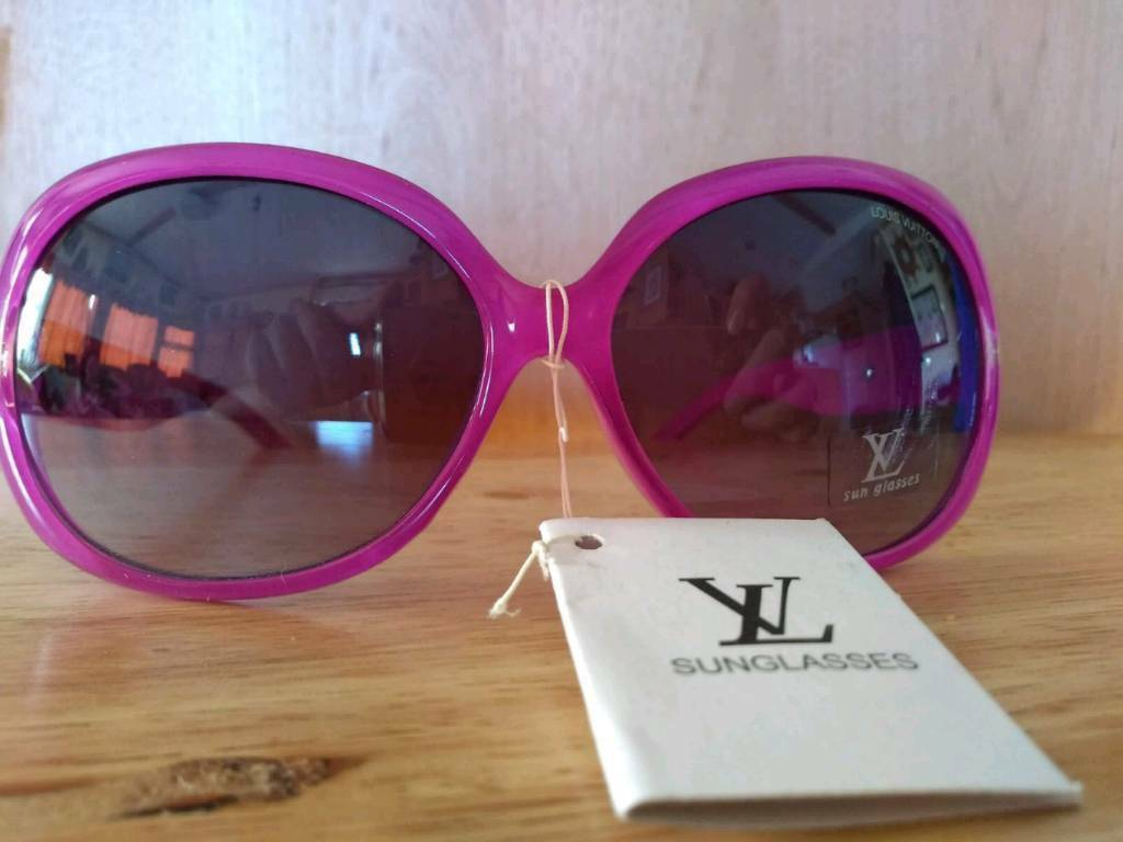 e31b330c987 Ladies purple LV sunglasses
