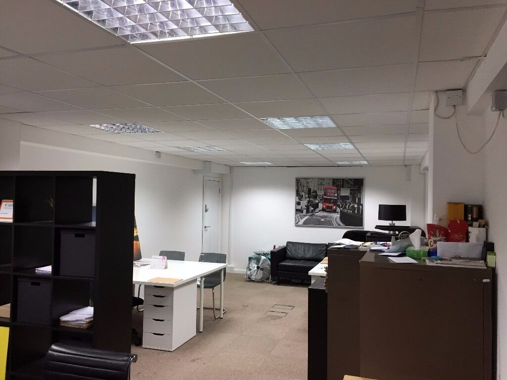 AN AMAZING RANGE OF SERVICED OFFICES AVAILABLE IN MILE END WITH EXCELLENT TRANSPORT LINKS