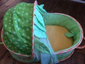 Verbadet foldaway/ travel moses basket