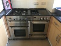 Range cooker, 5 hobs, double oven and a hot plate