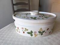 Casserole dish with lid