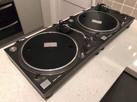 2x Technic 1210's is amazing condition with original boxes